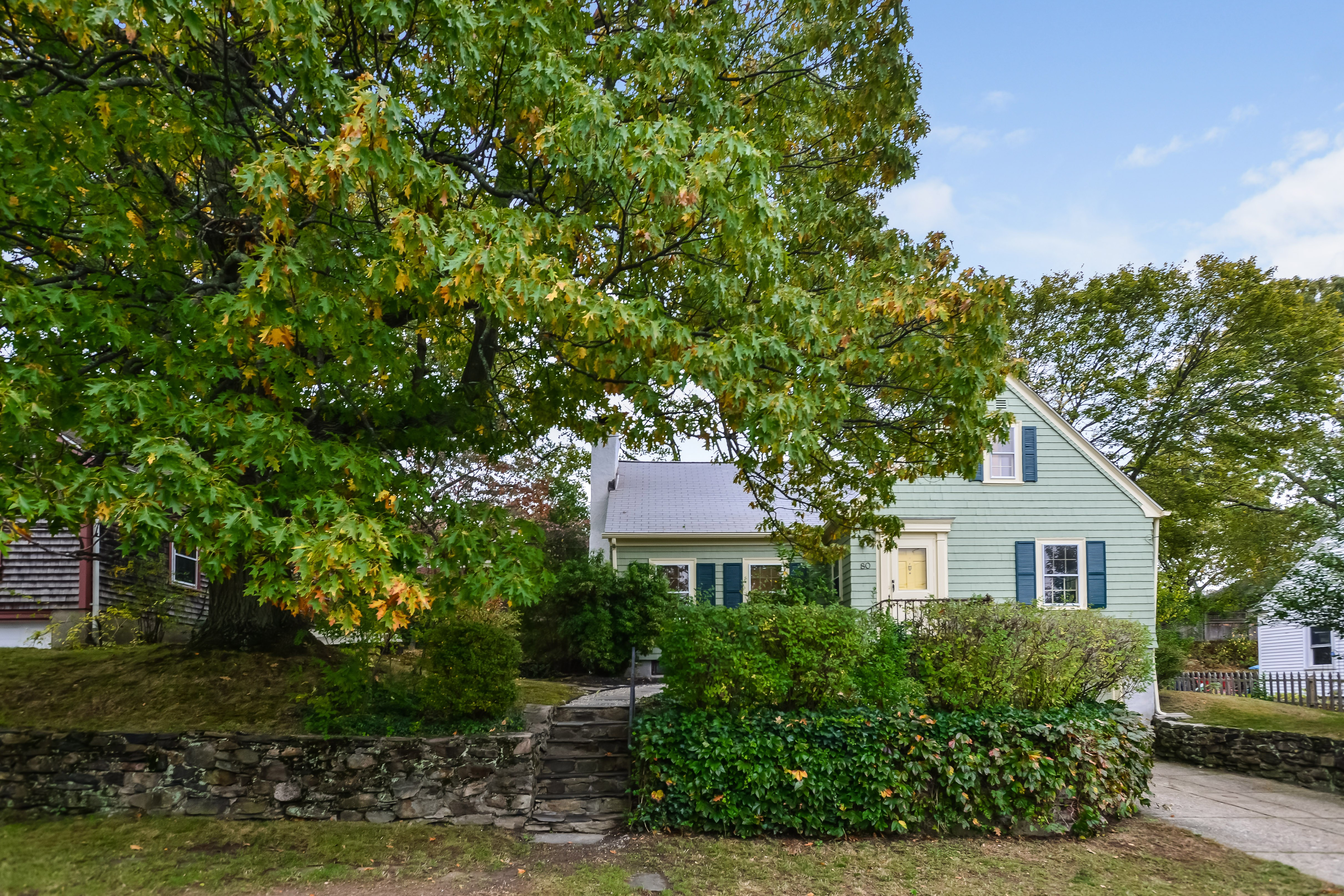 80 Blodgett AV, Oak Hill, Pawtucket, RI 02860