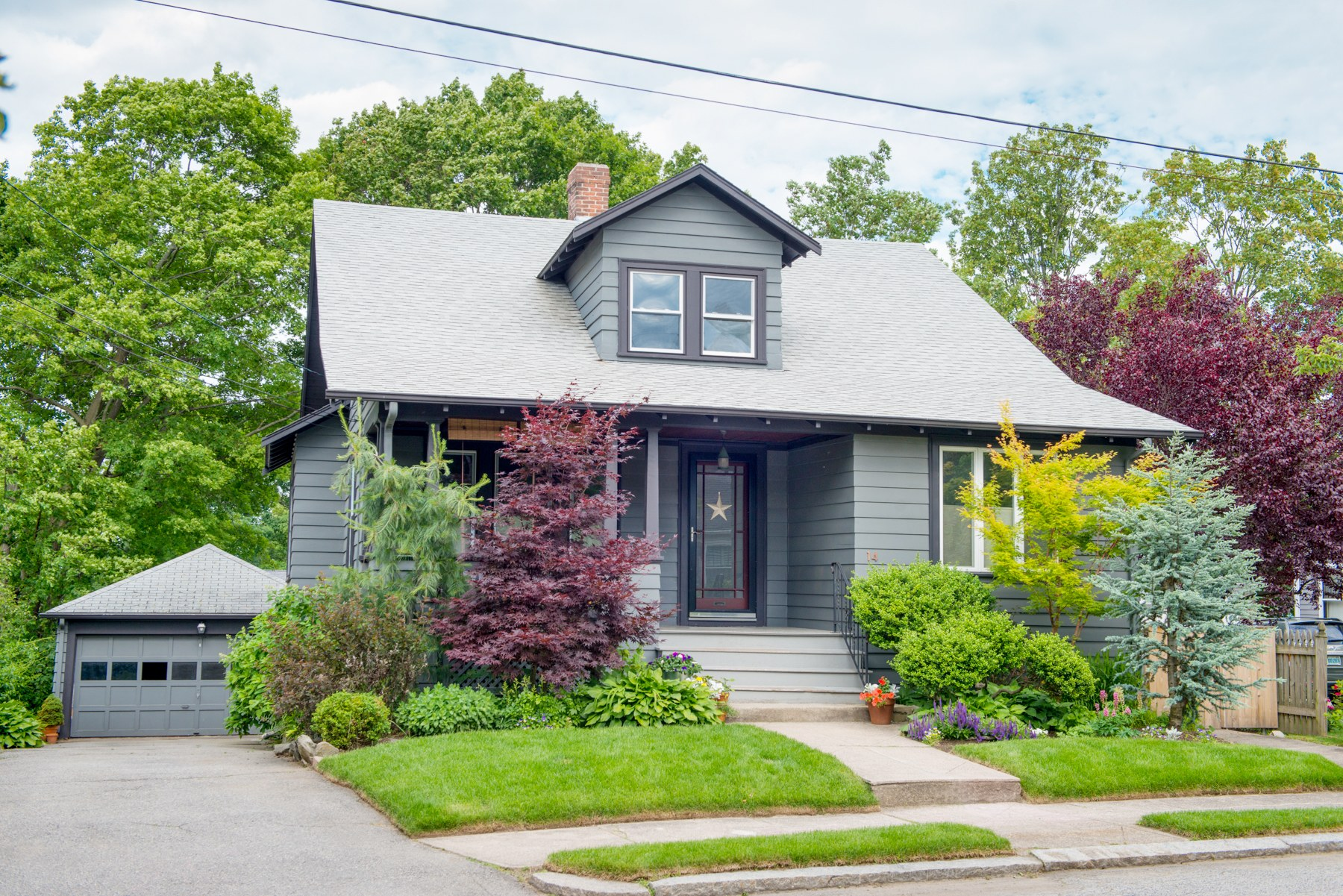 14 MARBURY AV, Oak Hill, Pawtucket, RI 02860
