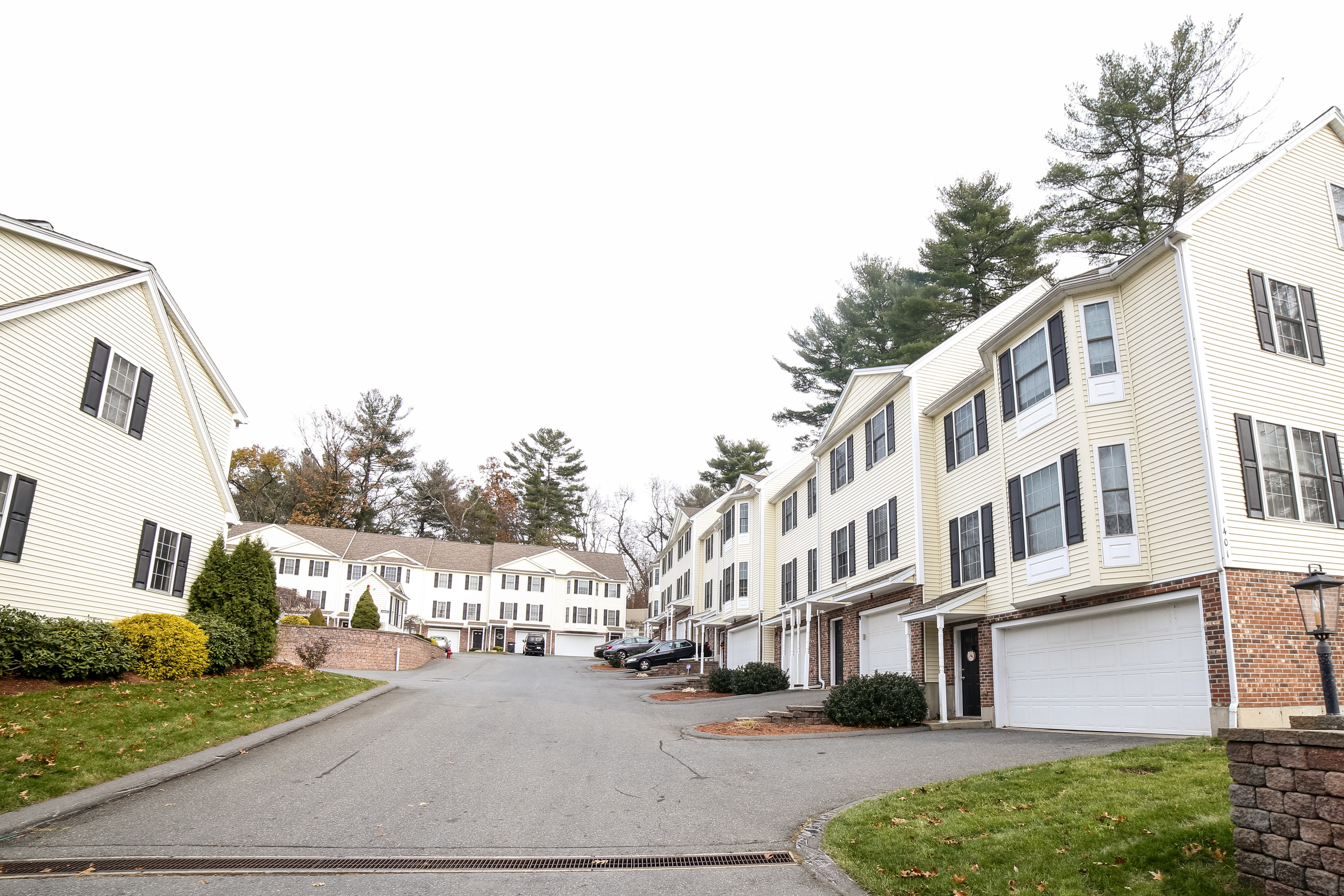 Riverbend at Merrimack Condos, Lowell, MA - Current Listings & Pictures