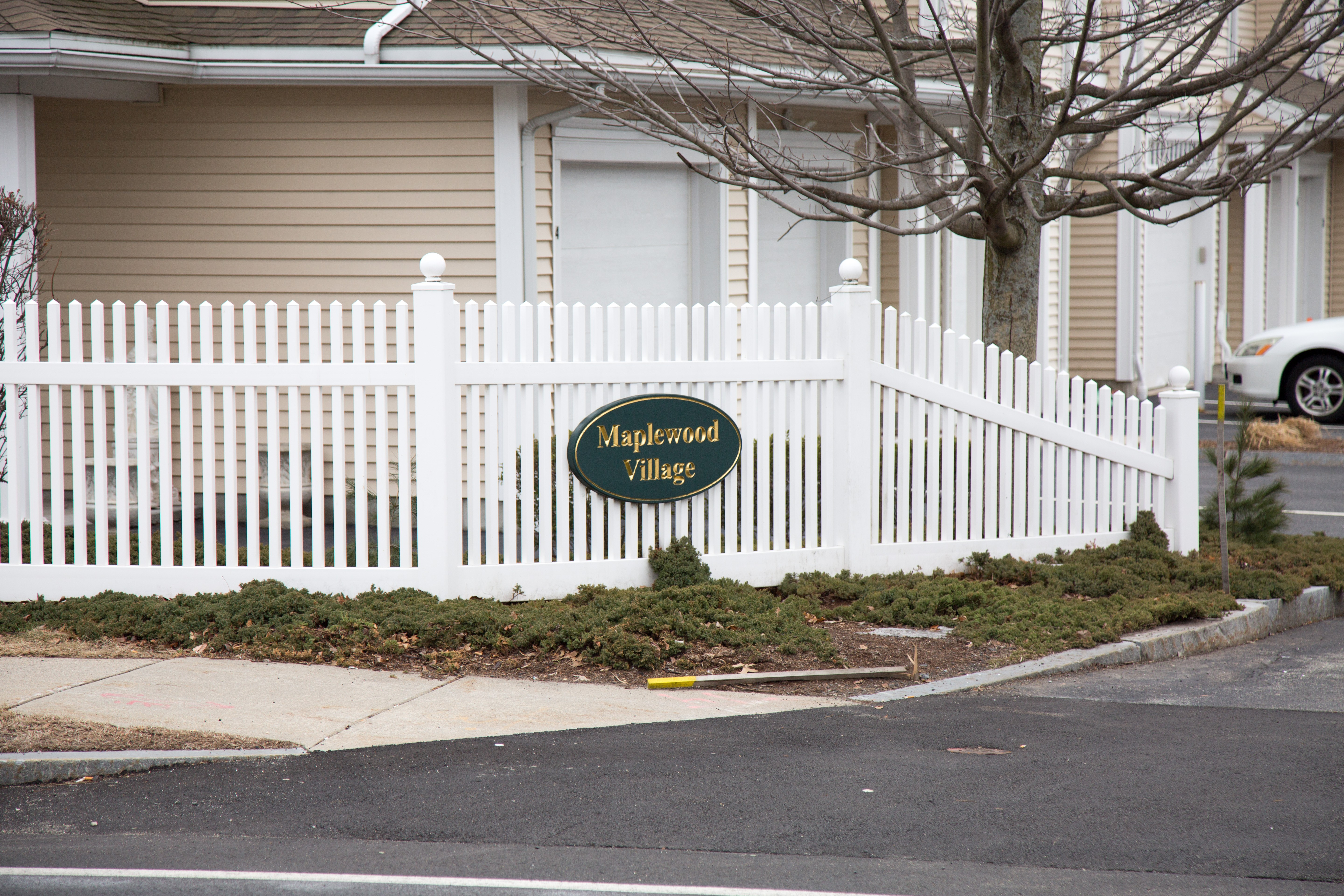 Maplewood Village Condos, Reading, MA - Current Listings & Pictures